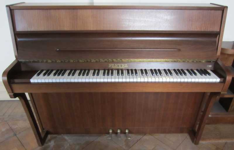 PianoPleyel01.JPG