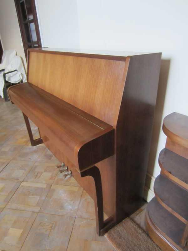 PianoPleyel11.JPG